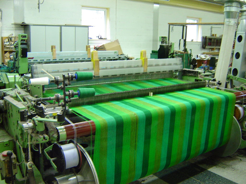 THE WEAVING MACHINE