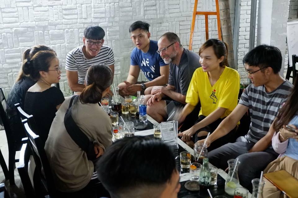 Câu lạc bộ tiếng Anh TIPI CAFE - English Speaking Coffee Shop
