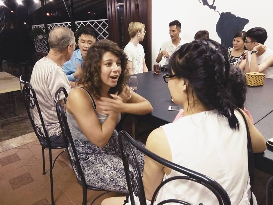 Câu lạc bộ tiếng Anh CouchSurfing Hanoi