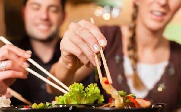 Những mẫu câu nói Tiếng Anh thường dùng khi sắp xếp ăn uống